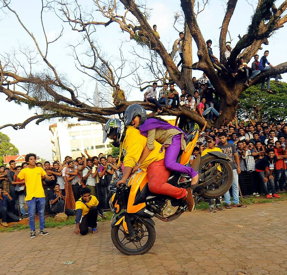 Kerala Bike Stunt Photos