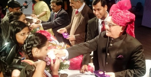 The Union Minister for Health & Family Welfare, Shri Jagat Prakash Nadda administered deworming tablets to the school children, in Jaipur, on February 09, 2015.