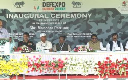 Defence Minister inaugurates Defexpo-2016 at Goa