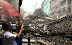 Live Kolkata Flyover Collapse: More than 10 dead in collapse, many feared trapped