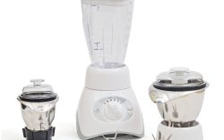 Oster MCPR06-WSO 750-Watt Mixer Grinder (White) for Rs.2,699