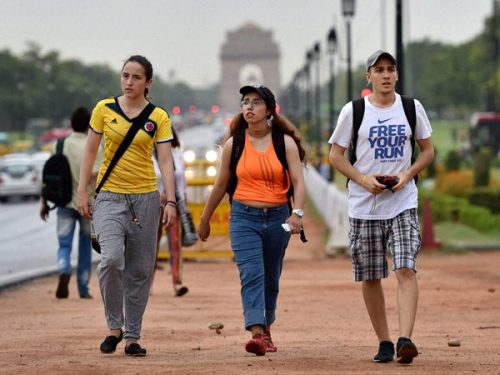foreign-tourists-in-india
